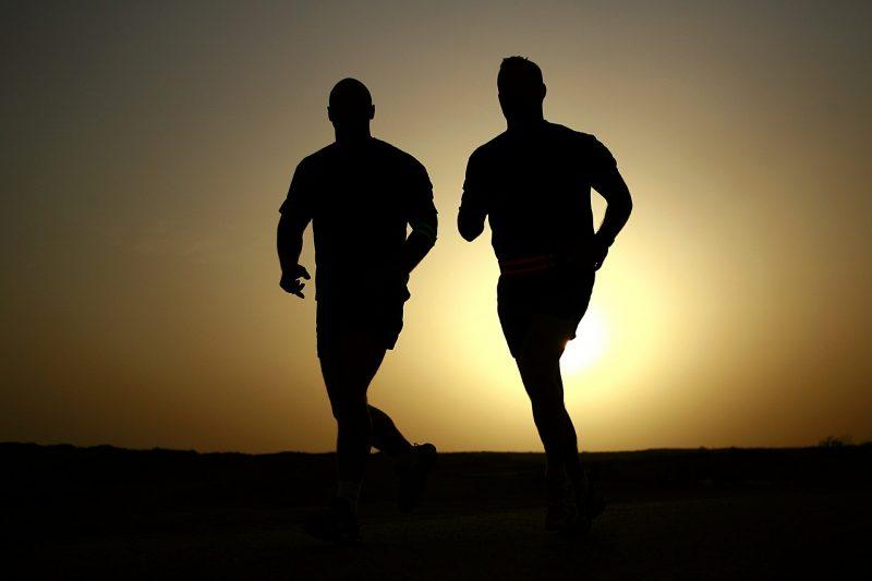 olahraga, lari, olah raga dengan teman.