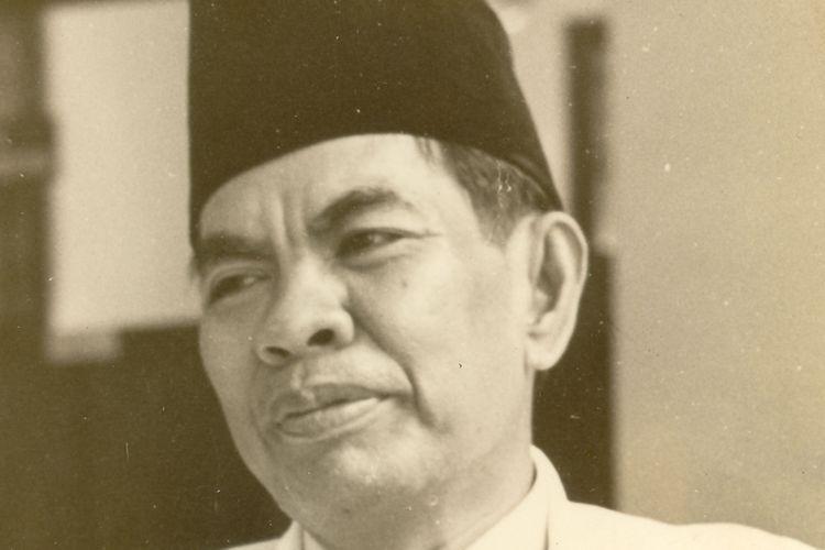 Sejarah menurut mohammad yamin