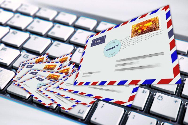 Sejarah penemuan email