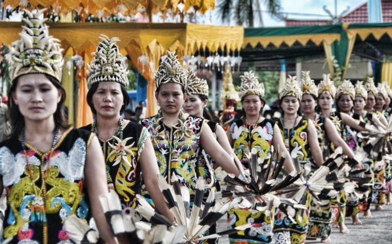 Baju Kurung, Baju Adat Papua Modern