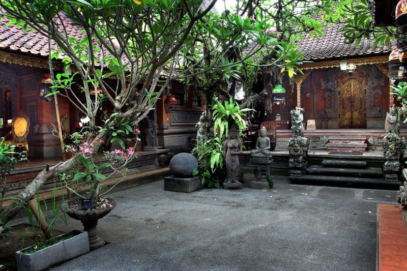 Kompleks rumah adat Bali