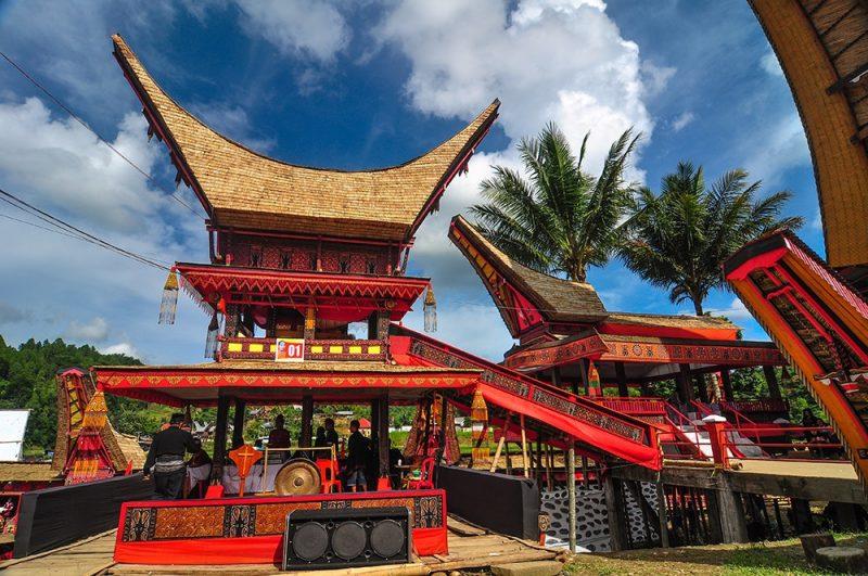 Rumah Adat Sulawesi Selatan Terlengkap Gambar Penjelasannya