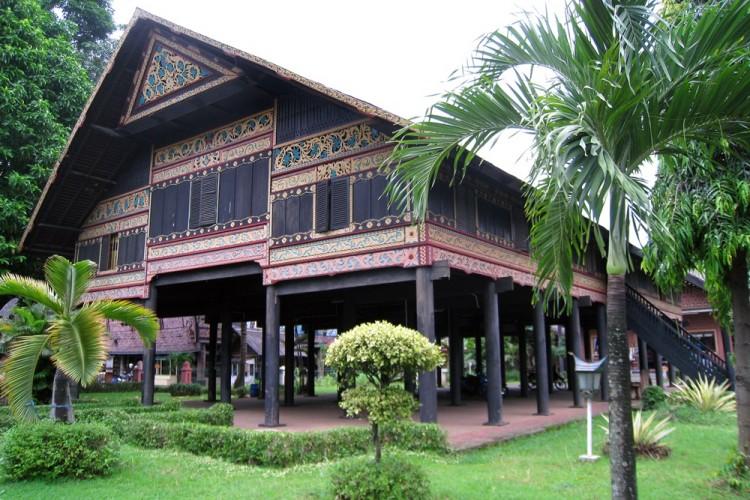 Bentuk Dari Rumah Adat Aceh