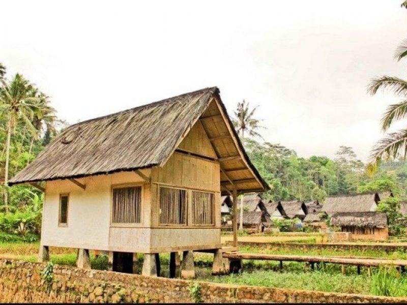 Rumah Adat Jawa Barat Sunda