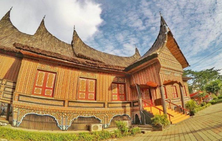 Jenis rumah adat Gonjong Anam
